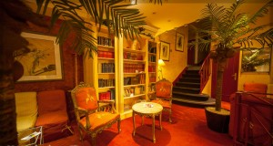 bibiliotheque-hotel-des-princes-chambery